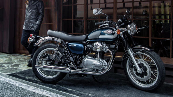 CocMotors – Kawasaki W800 2021 beauty